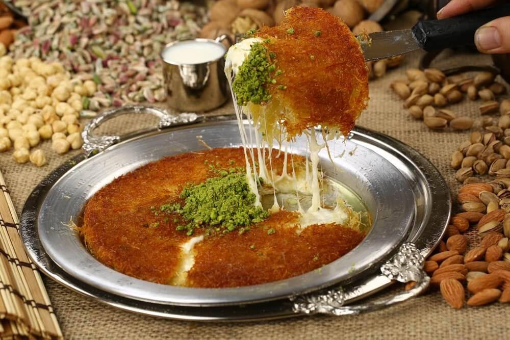 Kunefe makanan Turki