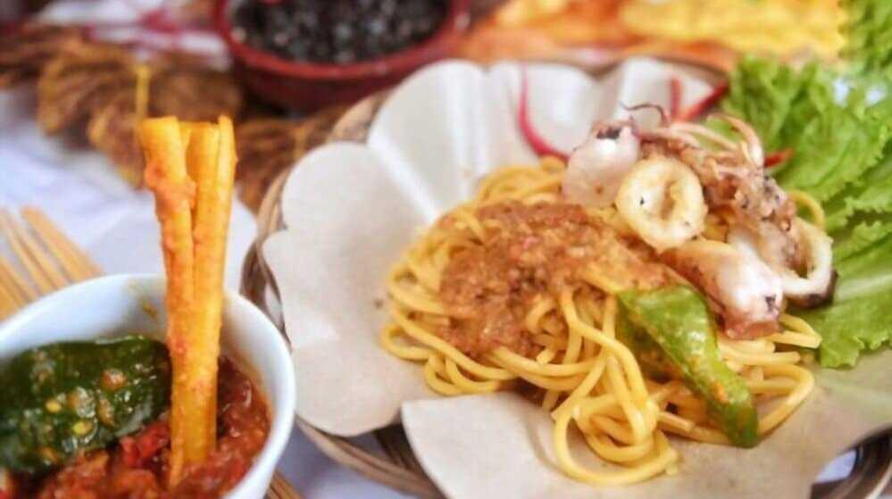 mie gomak goreng makanan khas Medan