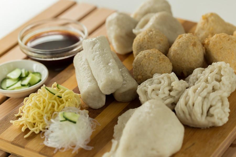 Beragam jenis pempek makanan khas Palembang